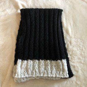 Hollister Black Knit Scarf